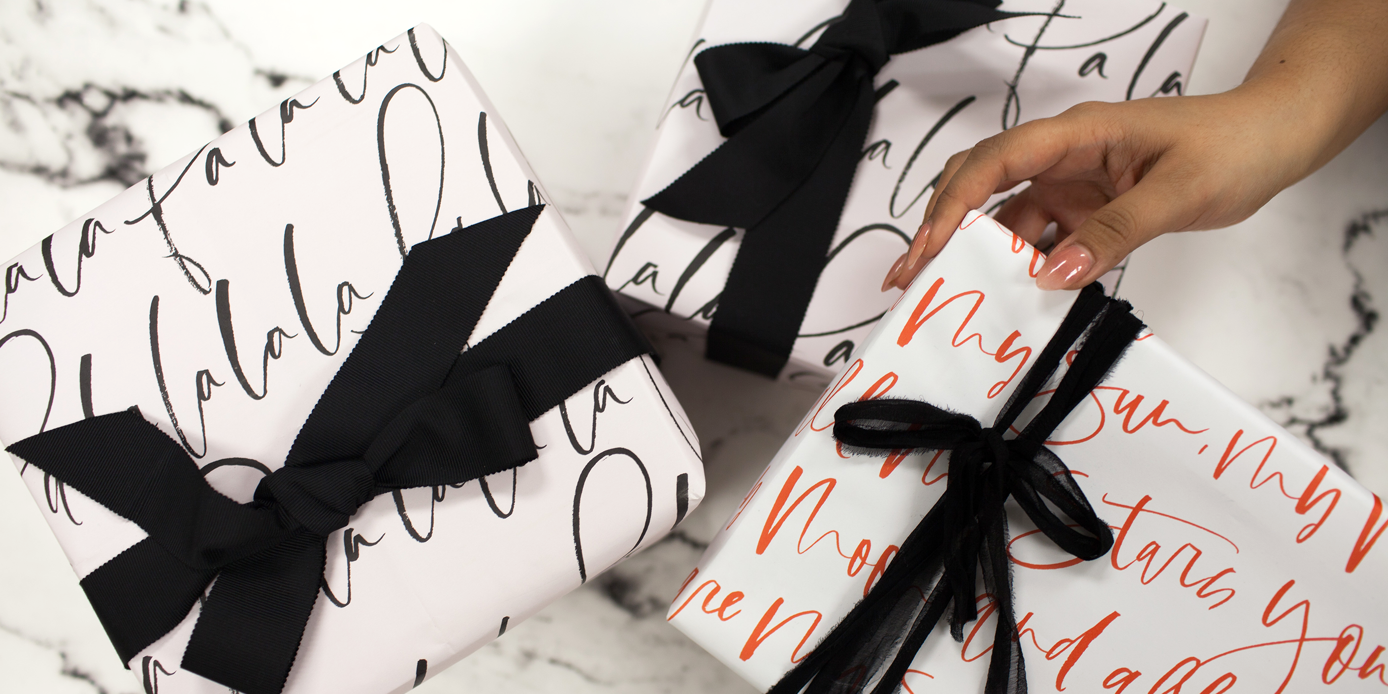 PLANOLY - Blog Post - How to Create a Gift Guide - Feature Image