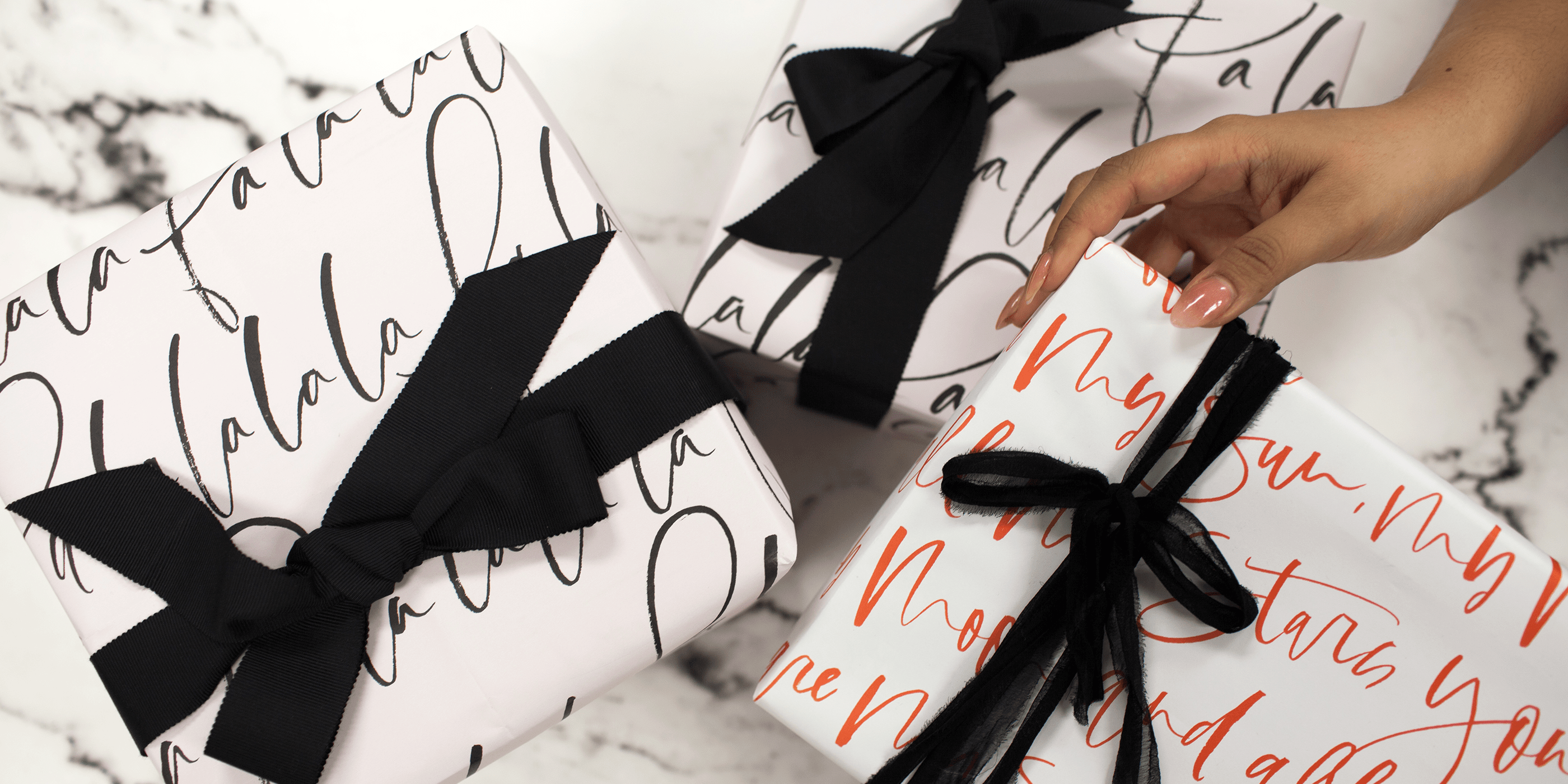 How to Create a Holiday Gift Guide: Inspiration & Tips, by planoly